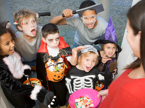 Tips for a Mouth Healthy Halloween